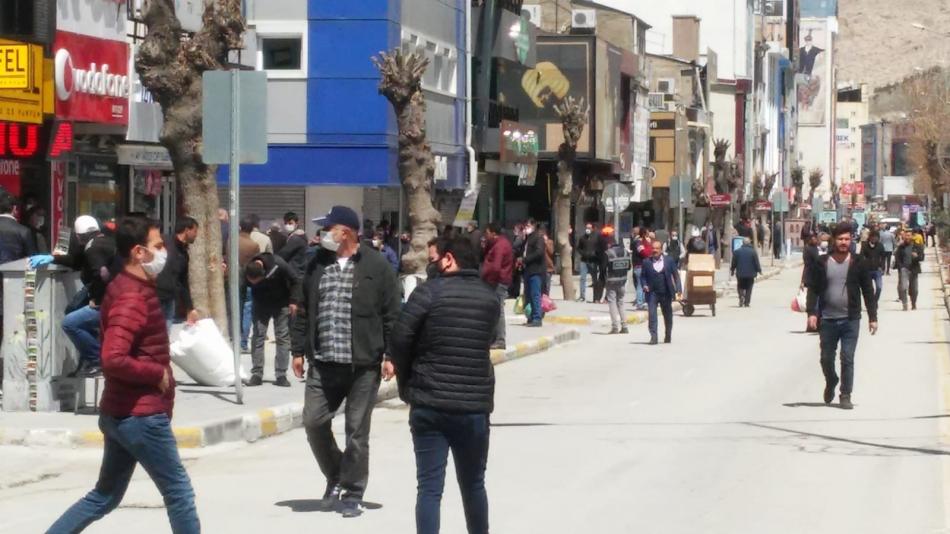 Son dakika Van haber! İçişleri Bakanlığı'nın koronavirüs önlemleri kapsamında 30 il ve Van'da sokağa çıkma yasağı ilan edilmişti.
