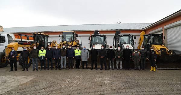 17 iş makinesi ve 40 personelle kışa hazır