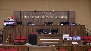 Katil Zanlısının Duruşmadaki Hareketi Mahkeme Başkanını Kızdırdı