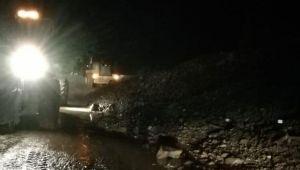 Şavşat-Artvin karayolu 'heyelan' nedeniyle ulaşıma kapandı