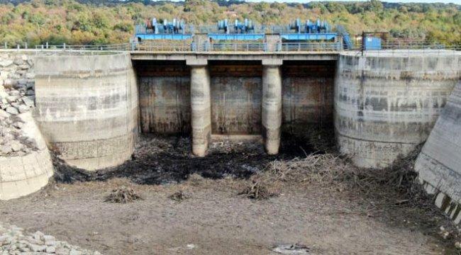 Barajlarda korkutan görüntü; iki baraj birden kullanım dışı kaldı