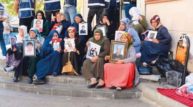 Diyarbakır annelerinden Barış Pınarı'na tam destek