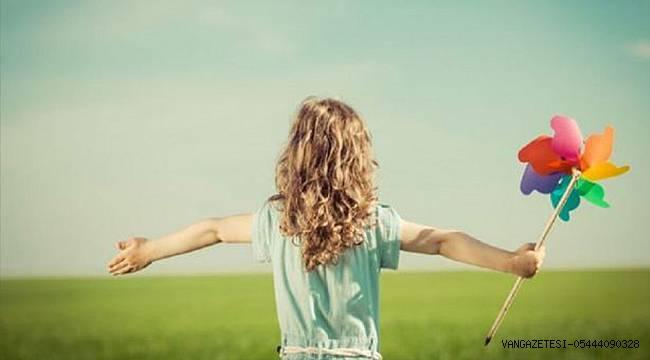 Güçlü Kızlar ile Güçlü Yarınlar