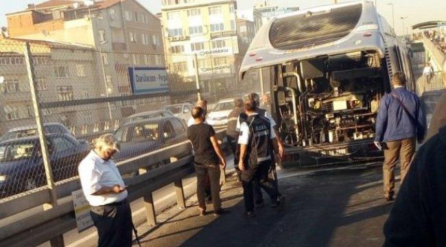 Metrobüste yangın! Seferler aksadı