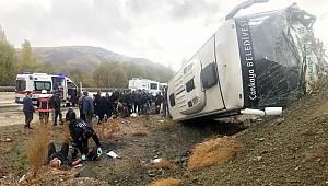 Ankara'da servis aracı devrildi! En az 30 yaralı var