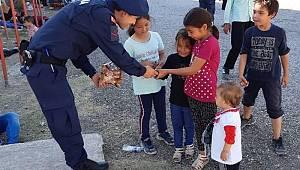 Ayvalık'ta 26 düzensiz göçmen ve 1 organizatör yakalandı