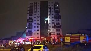 12 katlı binanın trafosunda çıkan yangın paniğe neden oldu