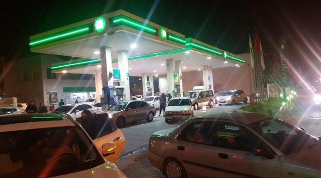 Depremden sonra vatandaşlar benzinliklere akın etti
