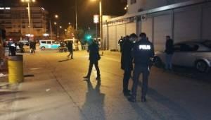 Isparta'da alkollü mekan çıkışında iki taraf arasında kavga çıktı: 1'i ağır 3 kişi yaralandı