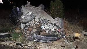 Isparta'da takla atan otomobil yaklaşık 100 metre sürüklenerek ters döndü: 2 yaralı