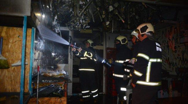 İşyeri yangınında bir kişi dumandan etkilendi