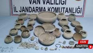 VAN'DA ÇOK SAYIDA TARİHİ ESER ELE GEÇİRİLDİ