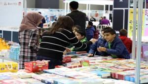 'Van Kitap Fuarı' Kitapseverlere Kapılarını Açtı