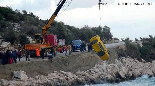 Aracıyla Denize Uçtu