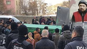 Van'da bir kişi kaldırımda soğuktan donarak hayatını kaybetti