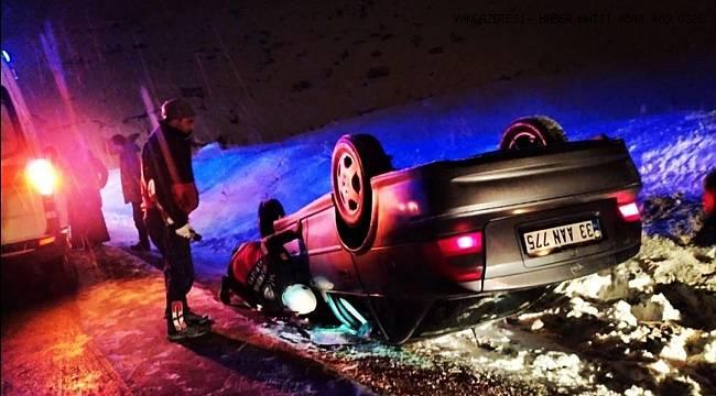 Van'da takla atan araçta sıkışan sürücüyü itfaiye kurtardı