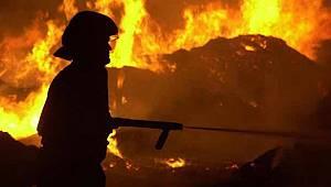 Van'ın Çatak İlçesinde 3 Katlı Binada Yangın Çıktı