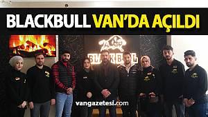 BLACKBULL CAFE VAN'DA AÇILDI ve BASINLA BİR ARAYA GELDİ- vanhaber - Van haberleri
