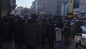 Van'da Şüpheli Paket Korkuttu! Cumhuriyet Caddesi Karıştı