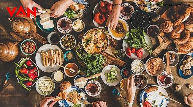 Hayırlı Sahurlar… Gündüz aç kalmamak için sahurda yenebilecek sağlıklı besinler