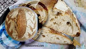 Helal size! Van'da iki çift evde ekmek yaparak, komşularına dağıttı