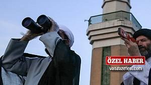 İran'da hilal görülmeyince oruç tutulmadı