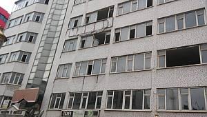 Van'da bu bina neden yıkılmıyor? - İhale için mi? Yoksa satıldı mı?