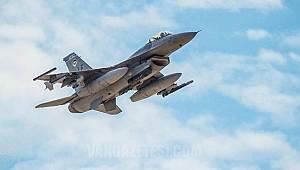 Amerika'nın savaş uçağı düştü - Pilot ise; son anda...