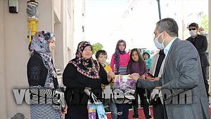 Edremit Belediyesi üniversite adaylarına tablet dağıtı