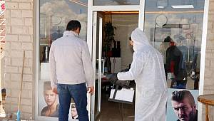 Edremit'te berberler ve kuaförler dezenfekte edildi