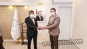 Memur Sen'den 11 bin 50 lira destek – Bir Alkış Ali Uca'a