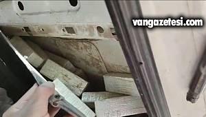 Pazar Arabasının içinde yüklü miktarda eroin - 65 plaka minibüs yine rahat durmadı