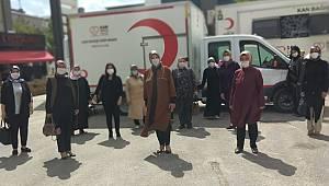 Ak Parti'den Van Kızılay'ına Kan desteği