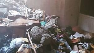 Van'da bir iş yerinin deposunda yangın - Saatler sonucu söndürüldü - Vanhaber