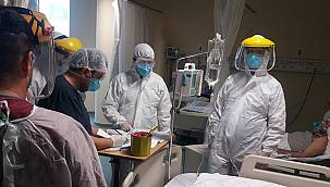 Van'da koronalı hastalara moral ziyareti