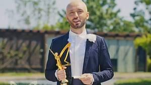 YKS'deki Soru İle Olay olan Sanatçı İki ödül birden aldı