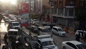 Van Beşyol'da trafik kilitlendi - Araç kullanmak çileye döndü