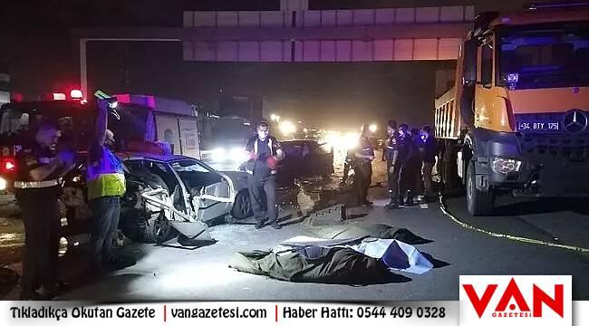 Zincirleme trafik kazası: 3 ölü 4 yaralı