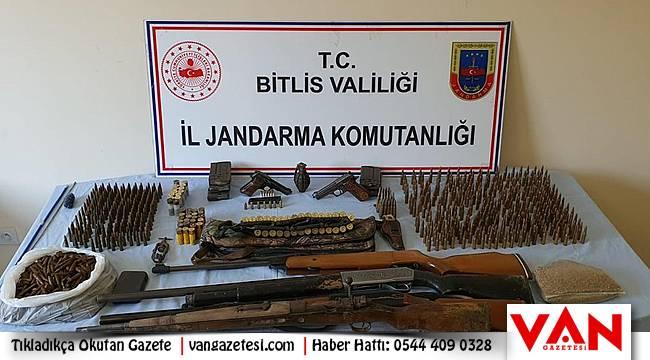 Bitlis İli Mutki İlçesi Mevydan Kovanlı köyünde operasyon!