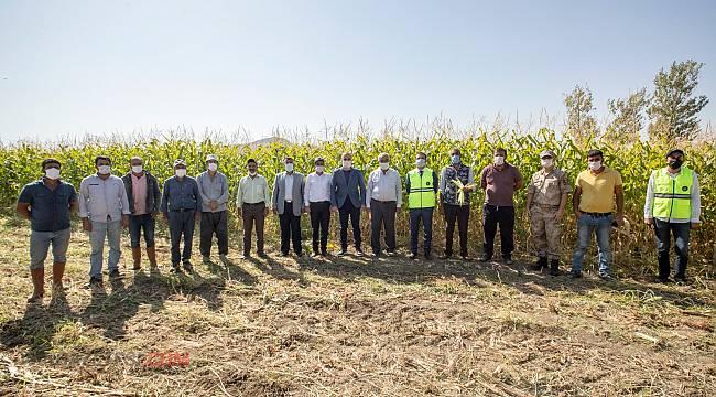 Bu ilçede çiftçilere destek verilmeye devam ediyor...