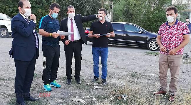 Nevzat İnanç, Gevaş'ta futbol sahası incelemesi...