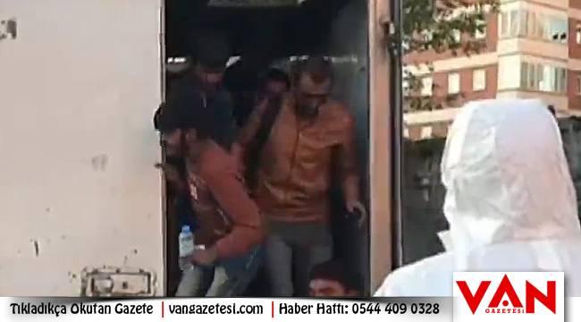 Van'da insan kaçakçılığı - Araçta 87 kişi çıktı - İşte videolu Yayın