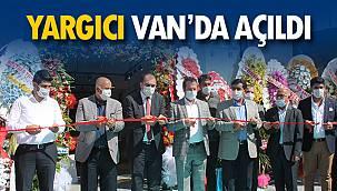 Van'da merakla beklenen YARGICI Mağazası açıldı