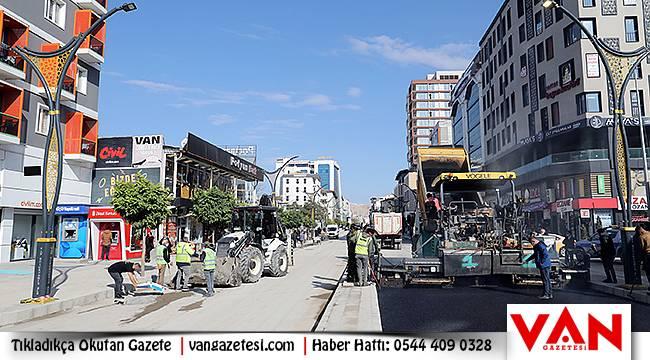 Hacıbekir Caddesi'nin ikinci etabında asfalt çalışmaları başlandı