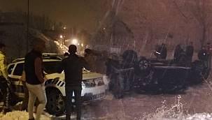 Hakkari'de trafik kazası, kamyonet şarampole yuvarlandı