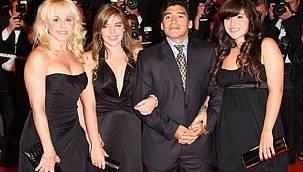 Maradona'yı mezarında bile rahat vermiyorlar
