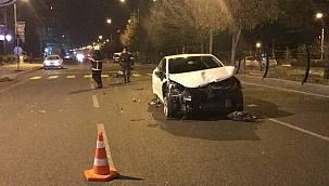 Son dakika Niğde'de Otomobiller çarpıştı, biri takla attı: 5 yaralı