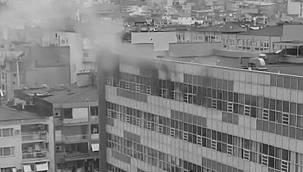 Şizofren bir hasta yatağı ateşe verdi – Hastane alev aldı