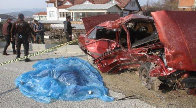 Trafik kazası: 2 ölü 3 yaralı