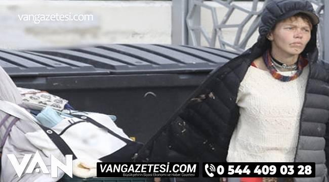 Ünlü film yıldızı çöp topluyor sokaklarda yaşıyor